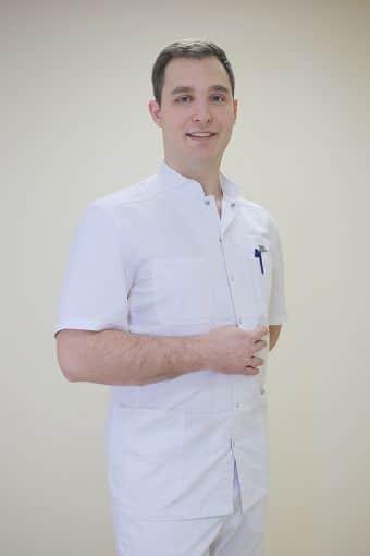 Абраменко Ян Анатольевич, главный врач, хирург, врач ультразвуковой диагностики, специалист по ксенонотерапии и озонотерапии