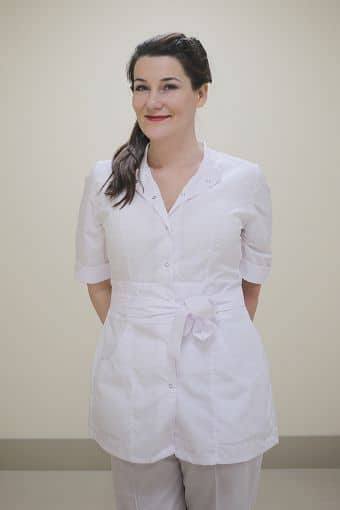 Колесник Елена Борисовна, медицинская сестра, специалист по медицинскому маникюру и педикюру