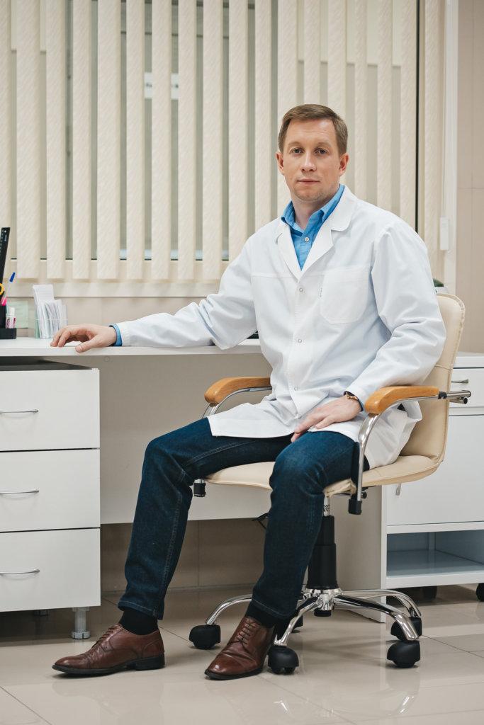 Лавренчук Дмитрий Вадимович, кандидат медицинских наук, врач - инфекционист, врач - терапевт
