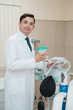 Петров Михаил Григорьевич, врач-невролог